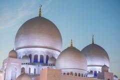 扎耶德回教族长清真寺晚上视图  库存图片