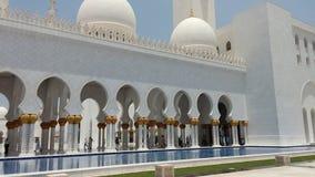扎耶德清真寺阿布格莱布Dhabi回教族长外部 免版税图库摄影