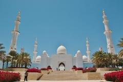 扎耶德・本・苏尔坦・阿勒纳哈扬回教族长清真寺在阿布扎比 免版税库存图片