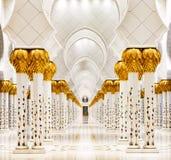 扎耶德Grand Mosque,阿布扎比回教族长是最大在阿拉伯联合酋长国 免版税库存照片