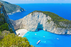 从扎金索斯州海湾击毁的高度的看法在希腊 库存照片