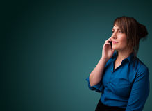 打与复制空间的少妇电话 图库摄影