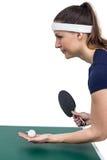 打乒乓球的女运动员 库存照片