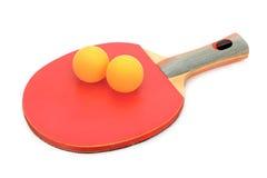 打乒乓球的球拍和球 库存照片