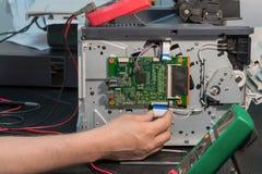 打印机修理,汇编电路板 免版税图库摄影
