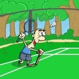 打在领域的老人擦网球 免版税图库摄影