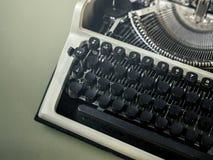 打字机特写镜头顶视图 新闻事业创造性的工作消息N 库存照片