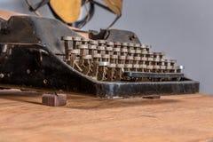 打字机,减速火箭的复兴 免版税库存照片
