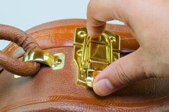 打开与安全代码的手提箱褐色 免版税库存图片