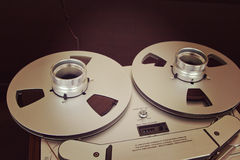 打开与磁带的金属卷轴专业录音的与 免版税库存照片