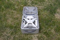 打开与quadrocopters DJI幽灵4的案件 图库摄影