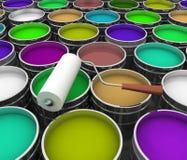 打开有油漆和路辗的桶 免版税库存图片