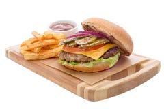 打开汉堡用炸肉排,炸薯条,乳酪 库存照片