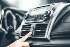 打开汽车空调系统 免版税库存图片