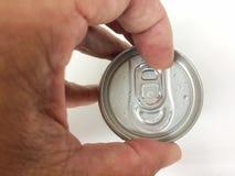 打开的盖子铝罐装饮料 库存照片