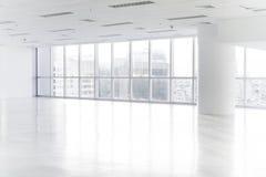 打开空的办公室空间 库存照片