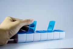 打开箱子药物 免版税库存图片