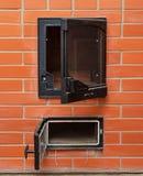 打开红砖烤箱 免版税库存照片