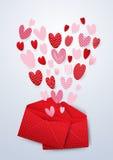 打开红色信封与逗人喜爱的心脏情人节 免版税图库摄影