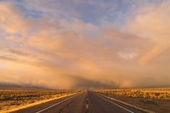 打开路橙色日落西南高速公路 免版税库存照片