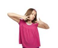 打手势和平标志的十几岁的女孩 免版税库存照片