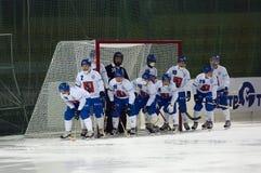 打来打去的dinamo曲棍球莫斯科俄语小组 免版税库存照片
