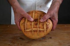 打破圣餐面包 库存图片
