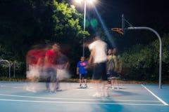 打篮球在有好伙伴的悉尼 库存照片