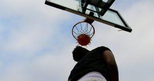 打篮球4k的篮球运动员 股票视频