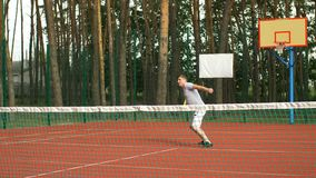 打网球的健康生活方式人户外 股票视频