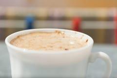 打赌的人 咖啡特写镜头热的饮料 库存照片