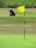 打高尔夫球在周围 库存照片