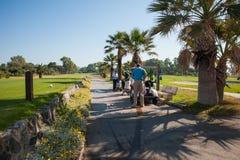 打高尔夫球在太阳海岸,马拉加,西班牙的比赛 免版税图库摄影