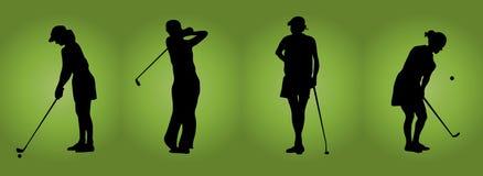 打高尔夫球妇女 免版税库存图片