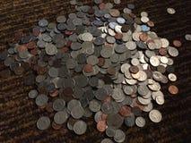 打破了存钱罐 图库摄影