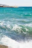 打破在江边附近在雅尔塔,克里米亚 图库摄影