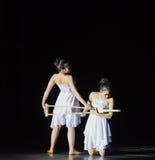 打破在精神现代舞蹈的身体,但是企业中 库存图片