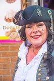 托尔蒂岛节日的Whitby女性海盗 免版税图库摄影
