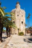 托尔del Oro Gold塔中世纪地标从13世纪初在塞维利亚,西班牙,安大路西亚地区 免版税库存照片