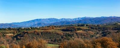 托斯卡纳小山农村乡下风景  免版税库存图片