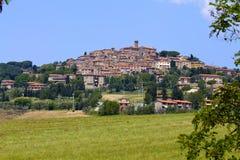 托斯卡纳小山镇,意大利 免版税库存图片