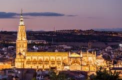 托莱多大教堂晚上视图在西班牙 图库摄影