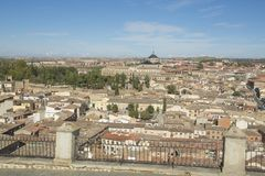 托莱多,卡斯蒂利亚-拉曼查/西班牙 2017年10月19日 城市有许多地方利益并且是一个世界遗产名录站点从19 库存照片
