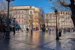 托莱多,西班牙- 2017年12月23日:好的日出一圣诞节在装饰的Zocodover广场 免版税库存照片