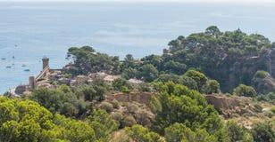 托萨德马尔肋前缘的Brava海边镇在卡塔龙尼亚,西班牙, 免版税库存图片
