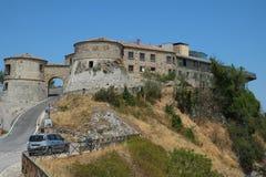 托里亚纳中世纪堡垒,意大利 库存照片