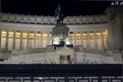 维托里奥Emanuele II骑马者雕象 库存图片