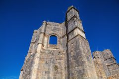 托马尔的基督会院的12世纪Templar教会在Tomar- 免版税库存照片