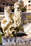 执政官喷泉的雕象在广场比勒陀利亚的在巴勒莫,意大利 图库摄影