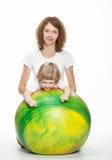 执行与女儿的母亲体育运动执行 库存图片